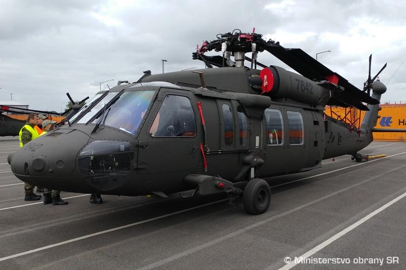 dd6f87ae4bb6 Výzbroj pre slovenské vrtuľníky UH-60M Black Hawk