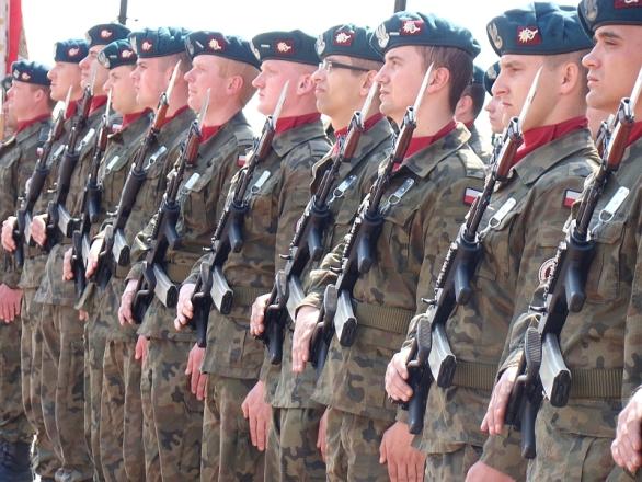 Foto: Polští vojáci; ilustrační foto / Silar; CC BY-SA 3.0