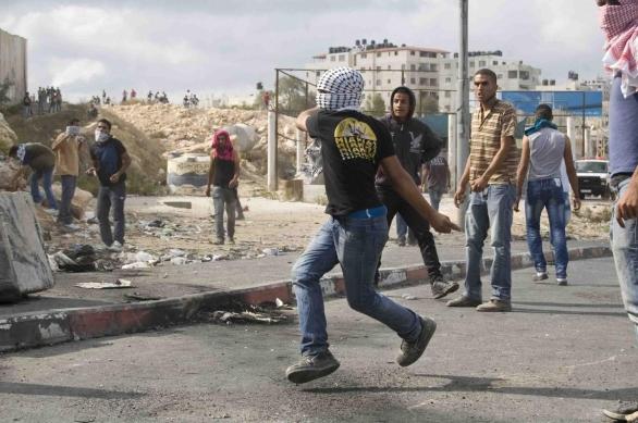 Foto: Střety na checkpointech Kalandia mezi Jeruzalémem a Ramalláhem; ilustrační foto / Jiří Kalát