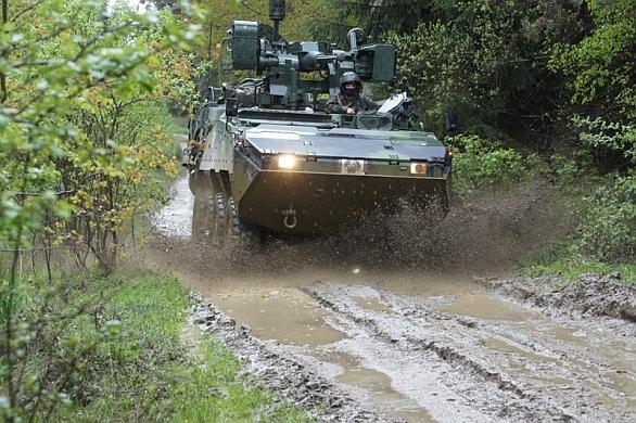 Foto: Hlavní obrněnou sílu praporu tvoří bojová vozidla KVBP Pandur II. / 42 mpr