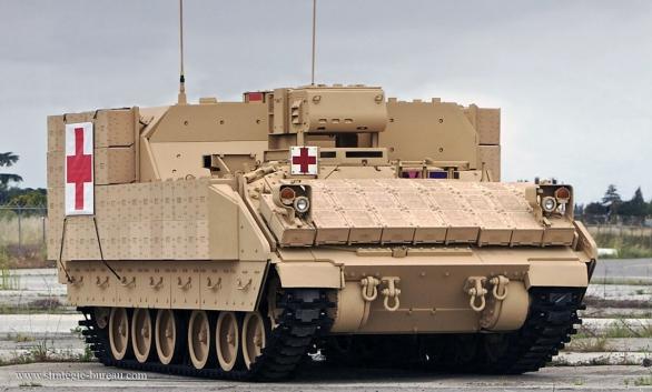 Foto: Vozidlo AMPV ve verzi pro evakuaci zraněných z bojiště; větší foto / BAE Systems