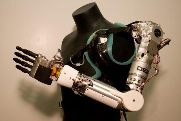 Robotická protéza