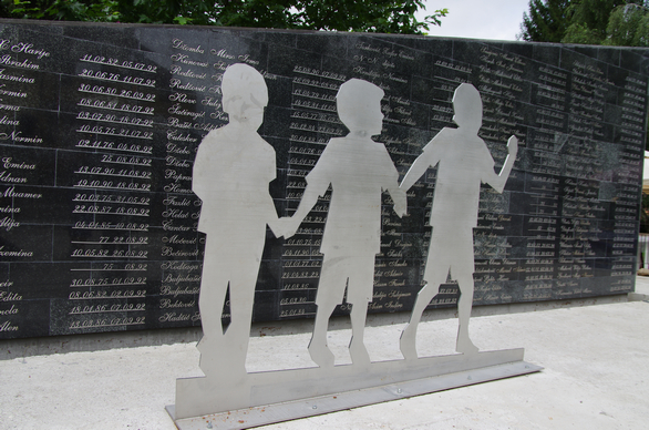 Foto: Památník genocidy v Srebrenici.  / Michal Voska