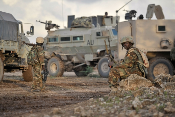Foto: Ugandští vojáci mise AMISOM při operaci proti Alů-Šabab. / AMISOM