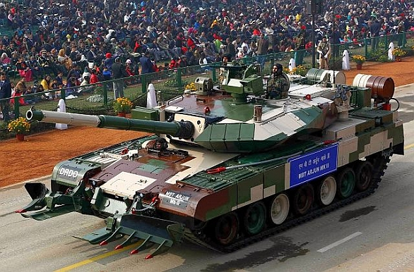 Foto: Tank Arjun Mk.II během indické vojenské přehlídky. / asian-defence.com