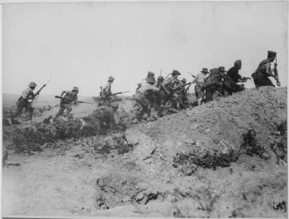 Foto: Australští vojáci v bitvě o Gallipoli. / Public Domain