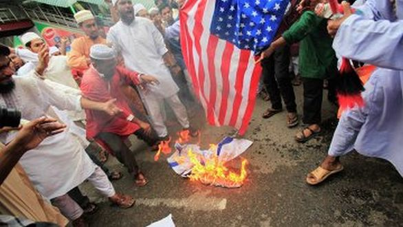 pálení americké vlajky
