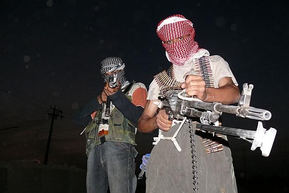 Foto: Dvojice povstalců v Severním Iráku (2006); ilustrační foto / Menendj, CC BY-SA 2.5
