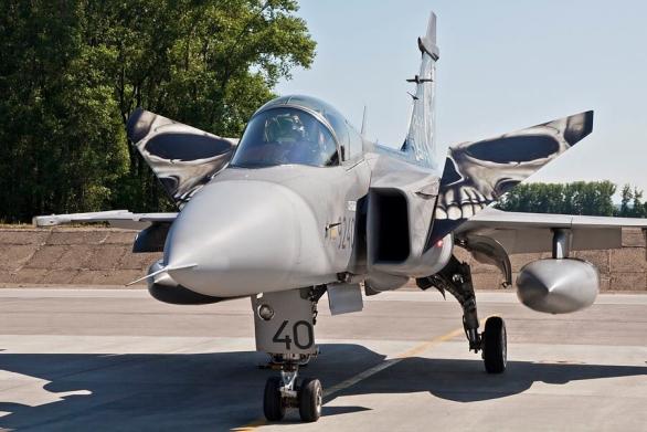 Foto: Tygří JAS-39 Gripen. / 21. zTL