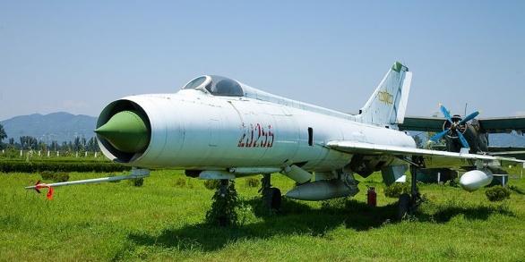čínský J-8I