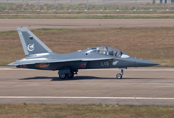 Hongdu L-15 je dvoumotorový pokročilý cvičný a lehký bojový letoun vyráběný čínskou společností Hongdu Aviation Industry Group (HAIG)