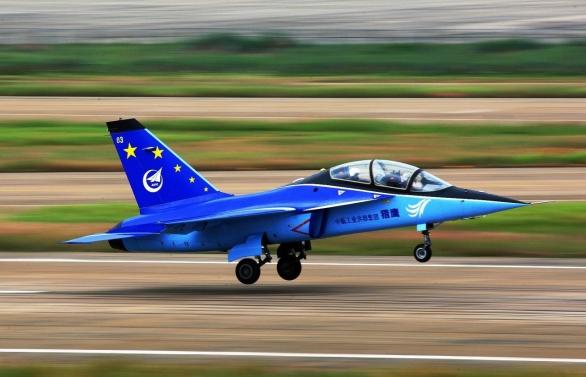 Nový společný čínsko-ukrajinský projekt má v plánu zavedení výroby lehkých bojových letounů  Hongdu L-15 v ukrajinské Oděse