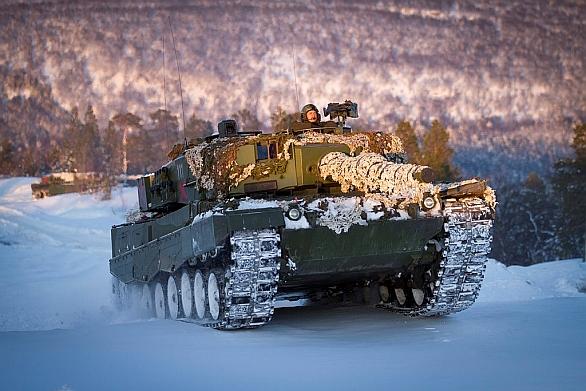 Foto: Norský tank Leopard 2 na cvičení Cold Response 2014. / Forsvarets mediearkiv