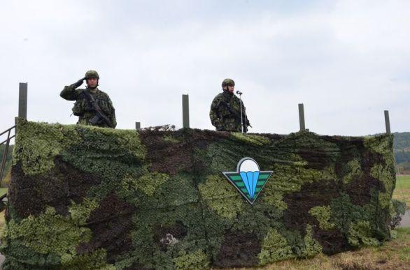 velitel 4.brigády rychlého nasazení plukovník Miroslav Hlaváč při motivačním proslovu k jednotkám