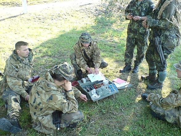 Foto: Společný výcvik průzkumných skupin 1. a 72. mechanizovaného praporu. / 71. mpr