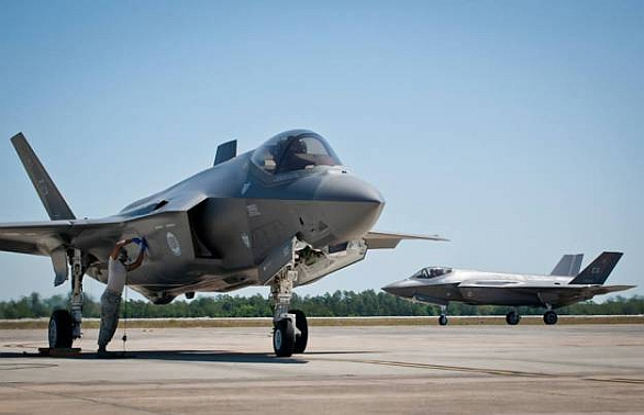 Foto: Dvojice F-35A Lightning II na základně Eglin Air Force Base. / US Air Force