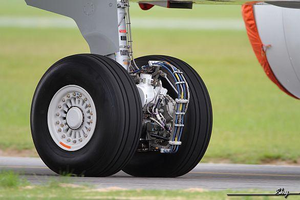 EGTS (Electric Green Taxiing System) na předním pojezdovém kole dopravního letadla foto: Honeywell