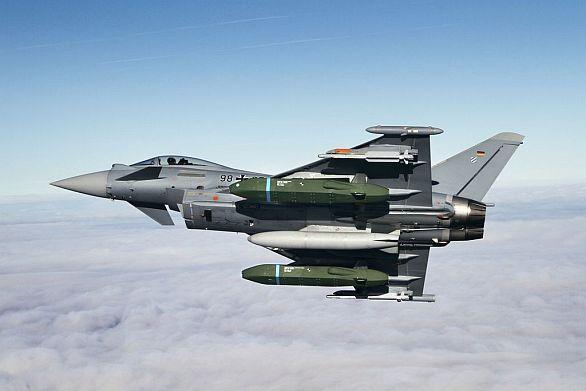 Foto: Eurofighter Tyhpoon s dvojicí střel  Taurus KEPD 350. / Eurofighter GmbH