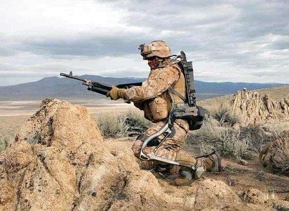 Foto: Současné robotické obleky ještě příliš použitelné nejsou; ilustrační foto / US Army