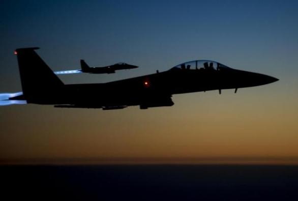 Foto: Pouze bombardováni Islámský stát nezničí; ilustrační foto / U.S. Air Force