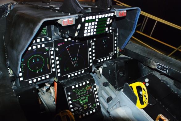 Foto: Kokpit F-22; větší foto, ilustrační foto / U.S. Air Force