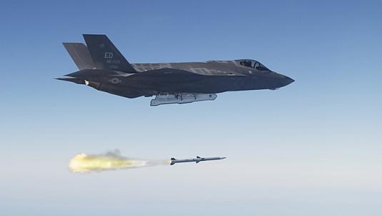F-35 AMRAAM