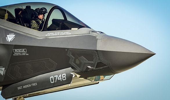 Foto: Radar a dveře podvozku využívají čínské magnety v hodnotě 2 dolarů. / Lockheed Martin