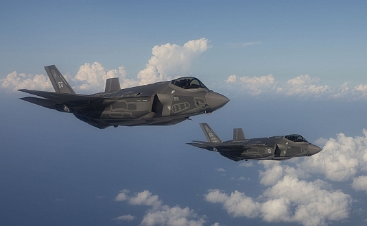 Foto: Dvojice F-35A Lightning II. Letouny F-35A pomohou Jižní Korei čelit letecké konkurenci z Číny a Ruska. / Lockheed Martin