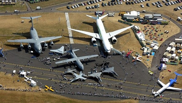 Foto: Farnborough International Airshow; ilustrační foto / Flickr/ Max Montagut