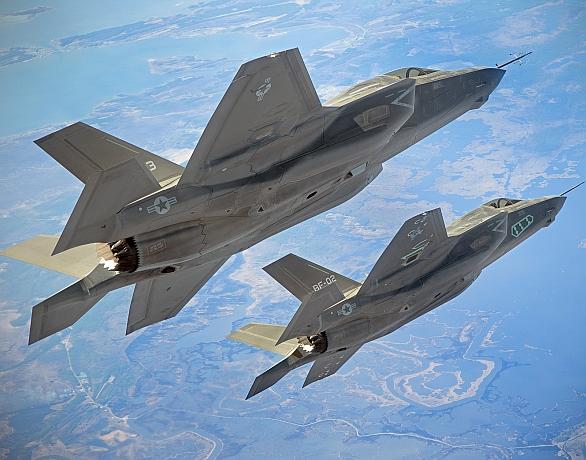 Foto: Formace F-35B Lightning II americké námořní pěchoty. / NAVAIR