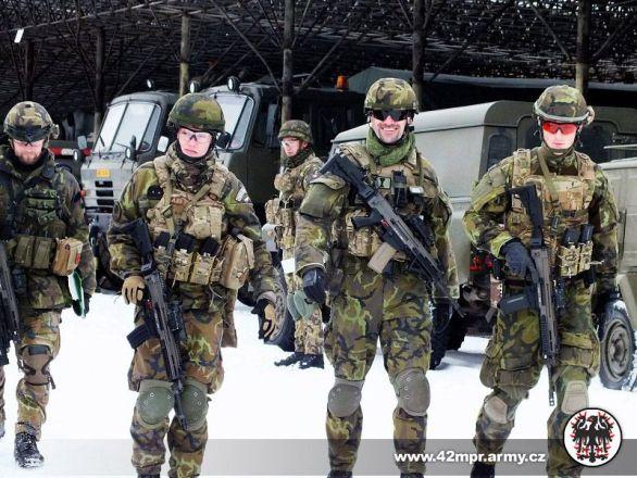 Foto: Příslušníci 42. mpr při výcviku. / 42. mpr
