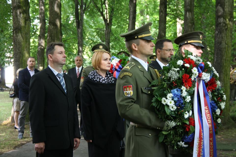 Foto: Jana Černochová; Pietní akt obětem rudého teroru z let 1948 -1989 / Archív autora