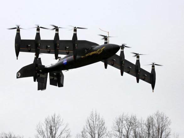 Foto: Podobnou koncepci i filozofii pohonu jako LightningStrike testuje program GL-10 Greased Lightning agentury NASA. Také vývoj GL-10 americká armáda pozorně sleduje; větší foto / NASA
