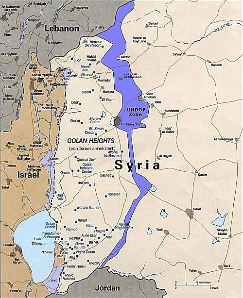 Foto: Golanské výšiny. Fialově naznačené nárazníkové pásmo pod správou UNDOF. / OSN, CC BY-SA 3.0
