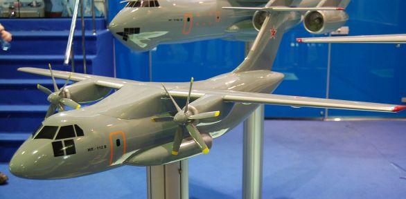 Foto: Model vyvíjeného transportního letadla Il-112. / Allocer, CC BY-SA 3.0