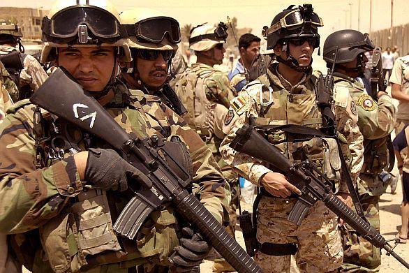 Foto: Iráčtí tankisté; ilustrační foto / Tommy Avilucea, U.S. Air Force