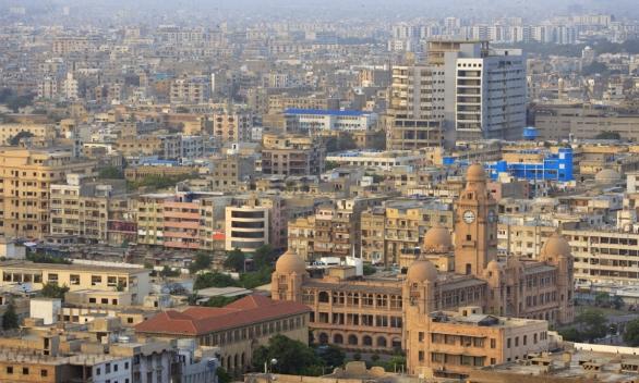 Foto: Rizikovým megaměstem je pákistánské Karáči; větší foto / Aliraza Khatri