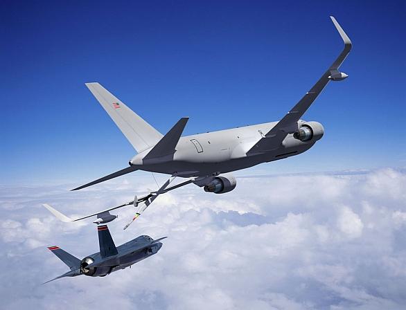 Foto: Vizualizace F-35 tankujicího u KC-64A. / Boeing