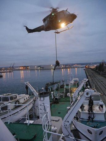 Foto: Vysázení operátorů speciálních sil na loď ORP Kopernik