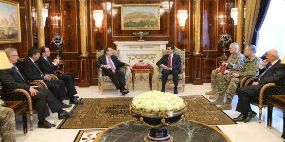 Fotka: Setkání zástpci americké vlády a americké armády se zástupci iráckého Kurdistánu. / Region iráckého Kurdistánu