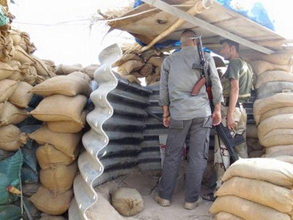 Kurdské zákopy. Foto: archiv dobrovolníka
