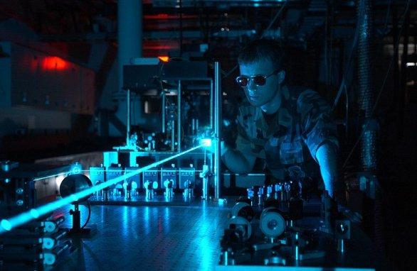 Foto: Jeden z mnoha laserových testů v americké armádě, tentokráte v režii amerického letectva; ilustrační foto / Wikipedia