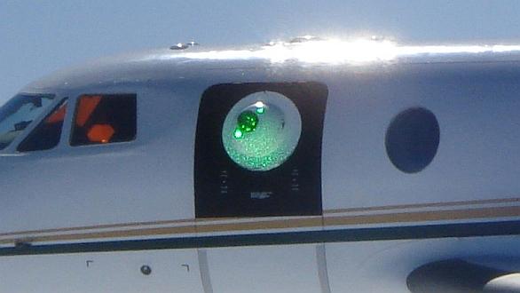 Foto: Podobné kulové pouzdro s výkoným laserem můžeme zanedlouho vidět i na bojových letadlech. / Lockheed Martin
