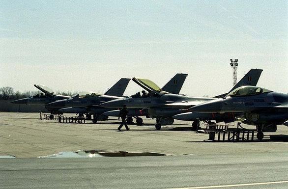 F-16 AM