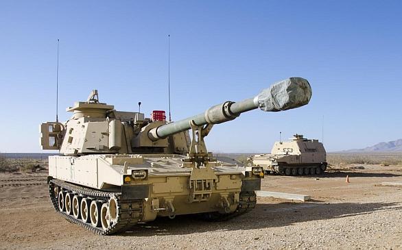 Foto: M109A7 Paladin a M992A3. / BAE Systems