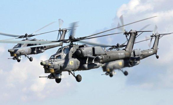 Foto: Formace Mi-28N; větší foto / Jevgeni Volkov; CC BY 3.0