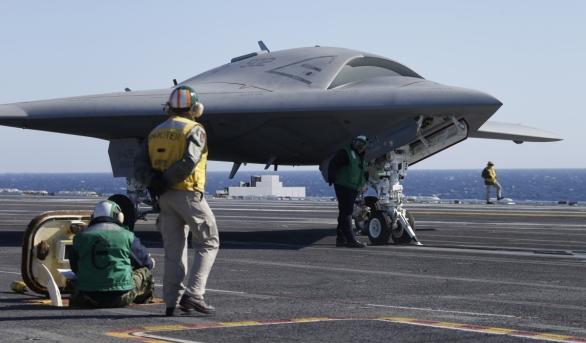 Foto: V rámci programu UCLASS americké námořnictvo testovalo drony ...: https://www.armadninoviny.cz/dron-mq-25-stingray-klic-v-boji-proti-ponorkam.html