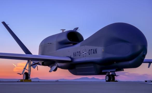 Foto: Global Hawk pro NATO program průzkumu pozemních cílů. / Northrop Grumman