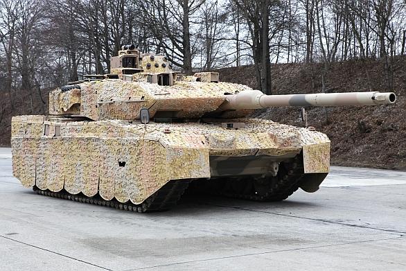 Foto: Německý tank Leopard 2A7+ je nejmodernějším tankem současnosti. Ne obzoru se ale objevují silní protivníci. / KMW