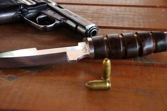 Nůž KONOL Válka